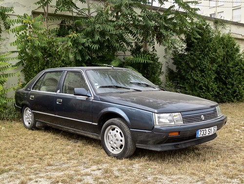 The Renault 25 isn't just for the 80's, it's for life. If you see one in distress, please please please save it!