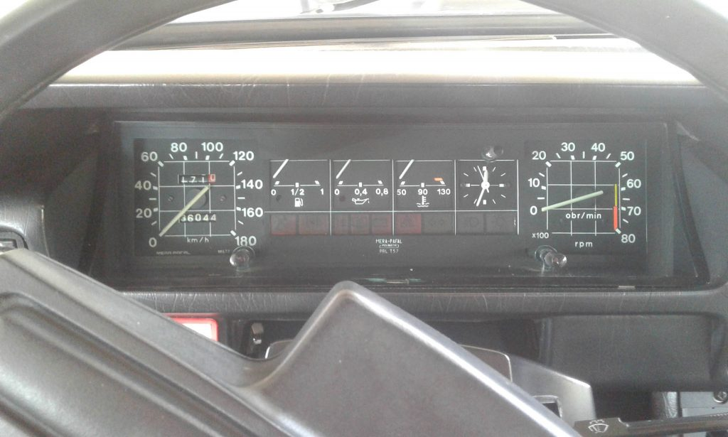 The dashboard of an FSO Polonez. The grid design just screams 1980's.