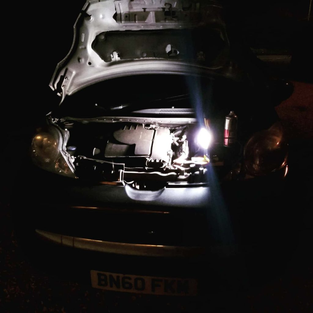 2019 ended for Rocky the Peugeot 107 with emergency surgery at night, replacing a broken catalytic converter with a Euro Car Parts crappy replacement