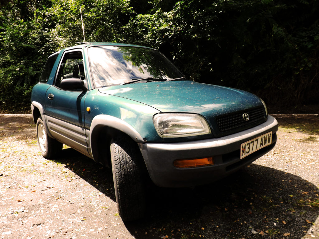 When I saw the advert for this awesome looking 1995 Toyota RAV4 GX, I couldn't say no.
